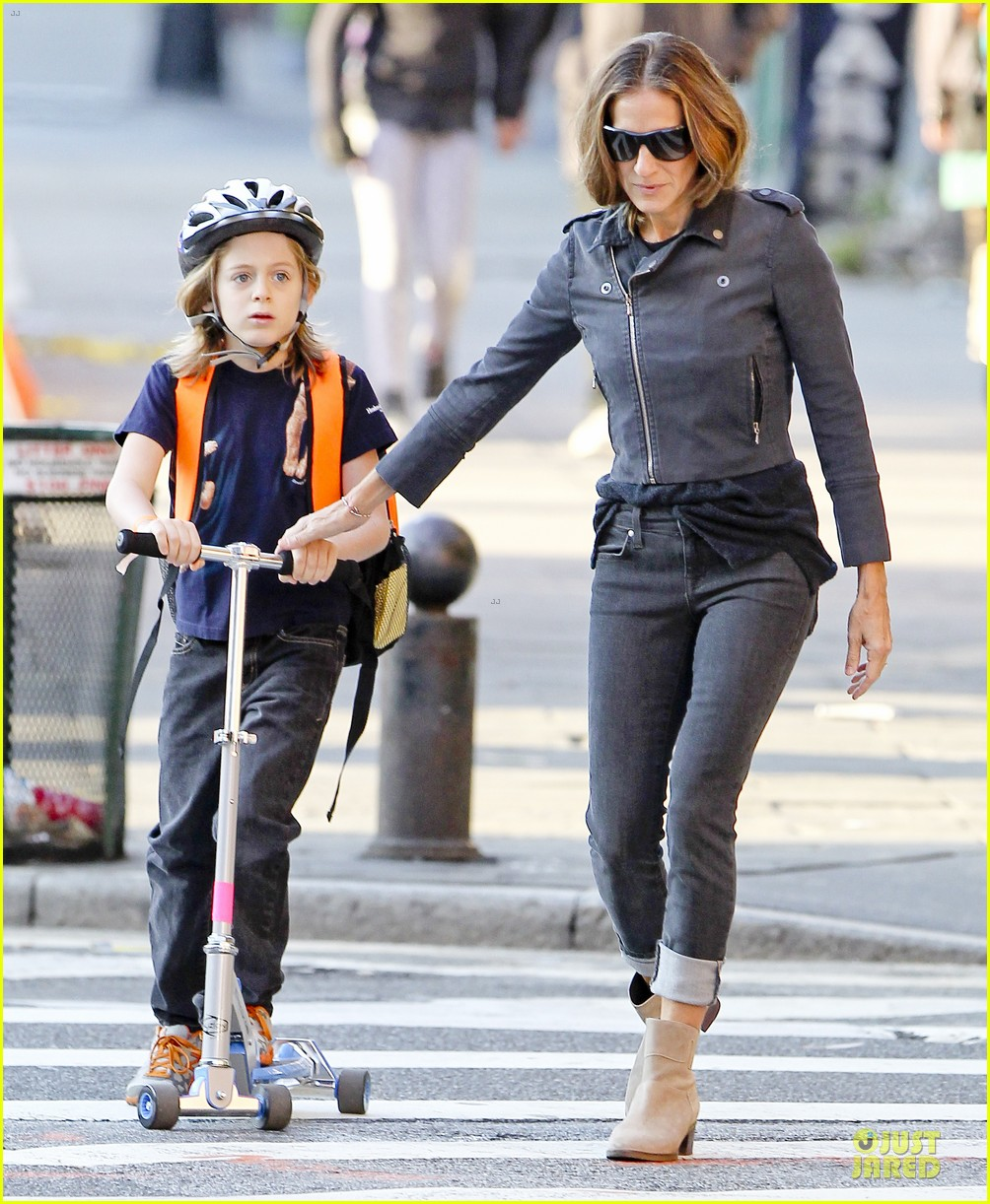 sarah jessica parker school walk with james marion tabitha 24