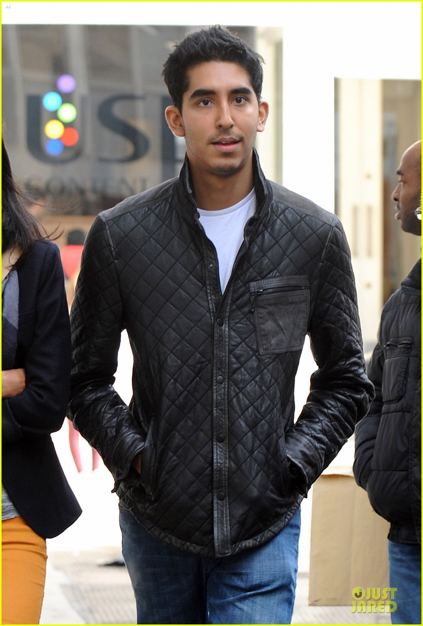 dev patel london stroll with gal pal 02