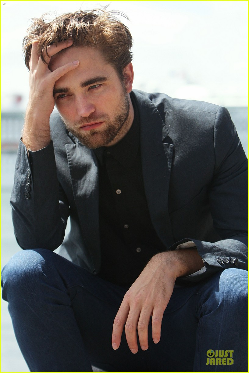 robert pattinson twilight breaking dawn part two photo call in australia 10