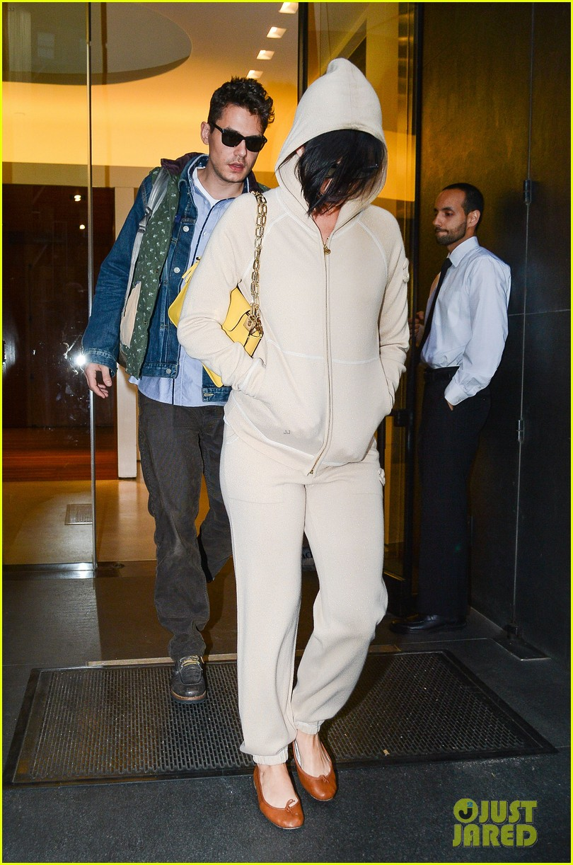 katy perry low key apartment exit with john mayer 07