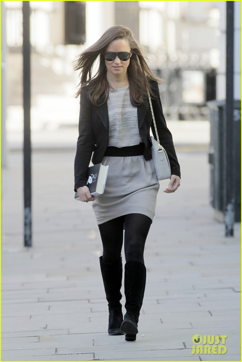 pippa middleton heads to work 17