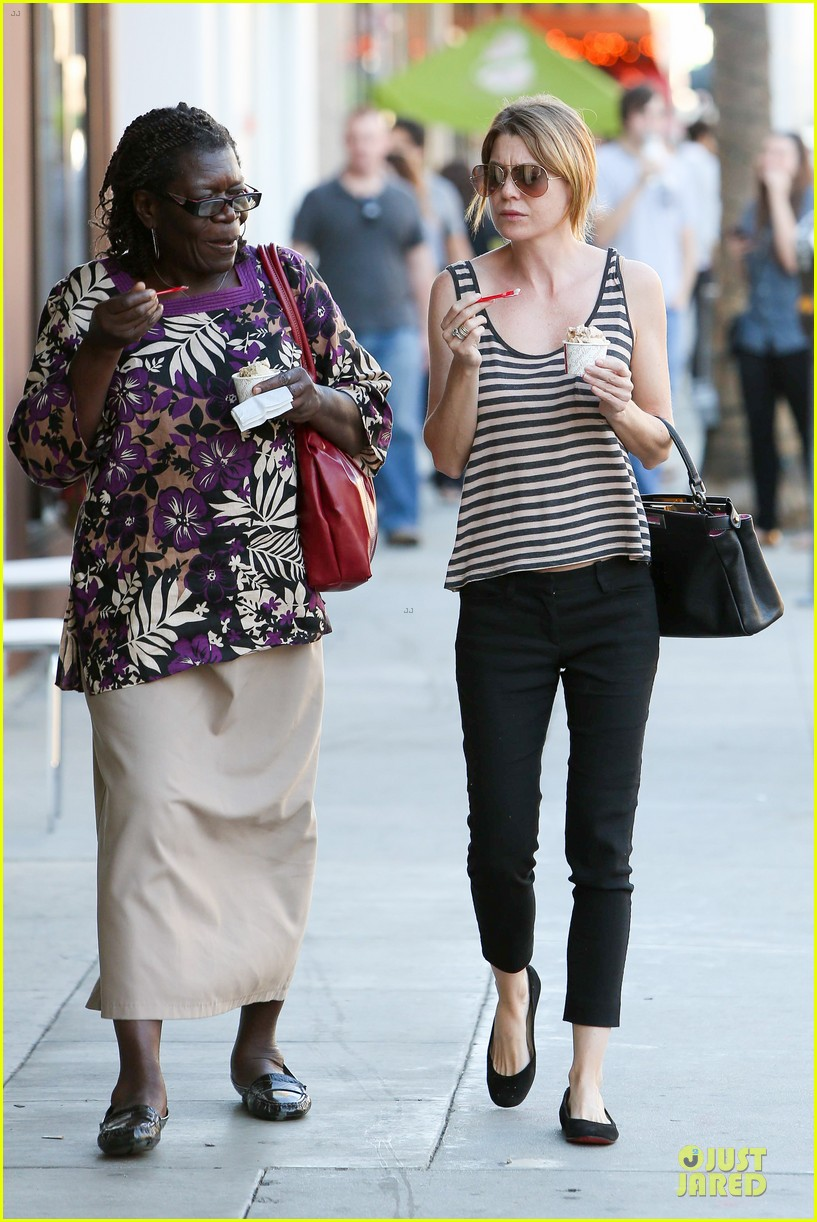 ellen pompeo ice cream sunday with mother in law 09