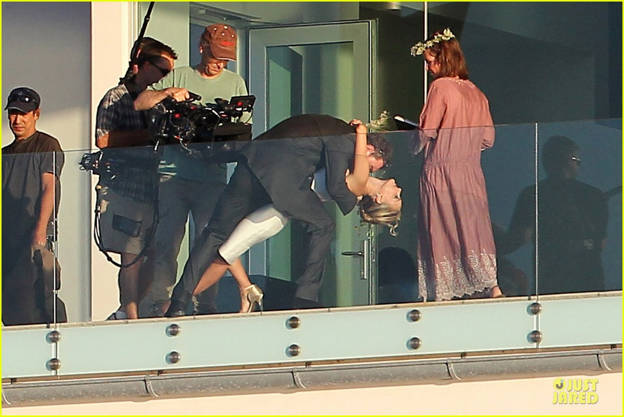 michael fassbender gets down on his knees for natalie portman 052741347