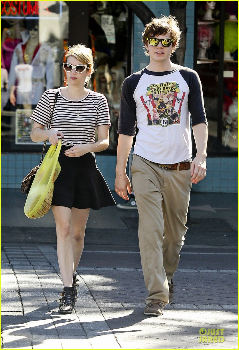 Full Sized Photo Of Emma Roberts Evan Peters Halloween Costume Shopping 08 Photo 2746047 Just Jared