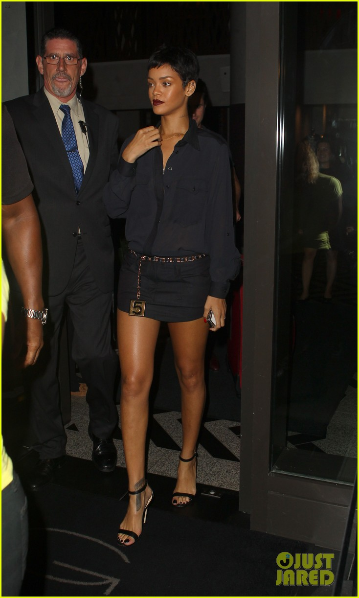 rihanna chris brown gansevoort hotel departure 012732678