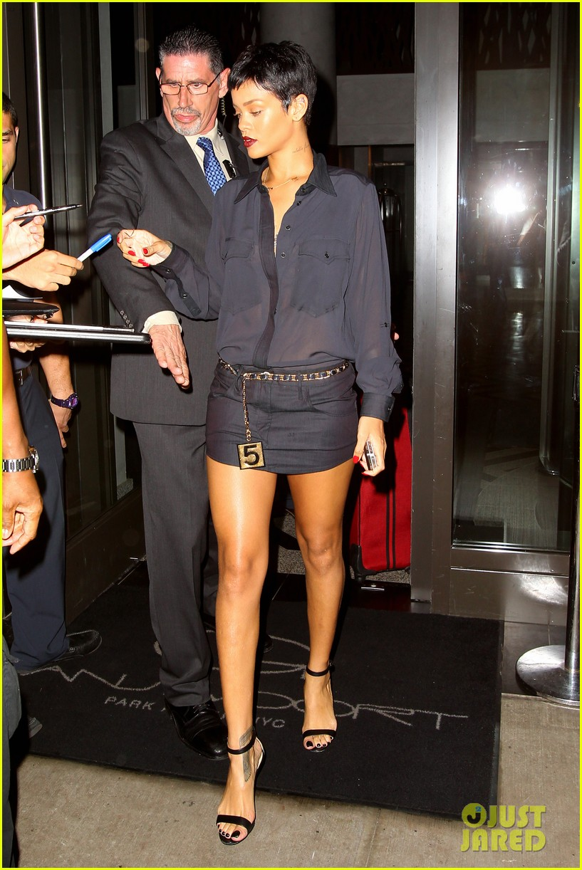 rihanna chris brown gansevoort hotel departure 222732699