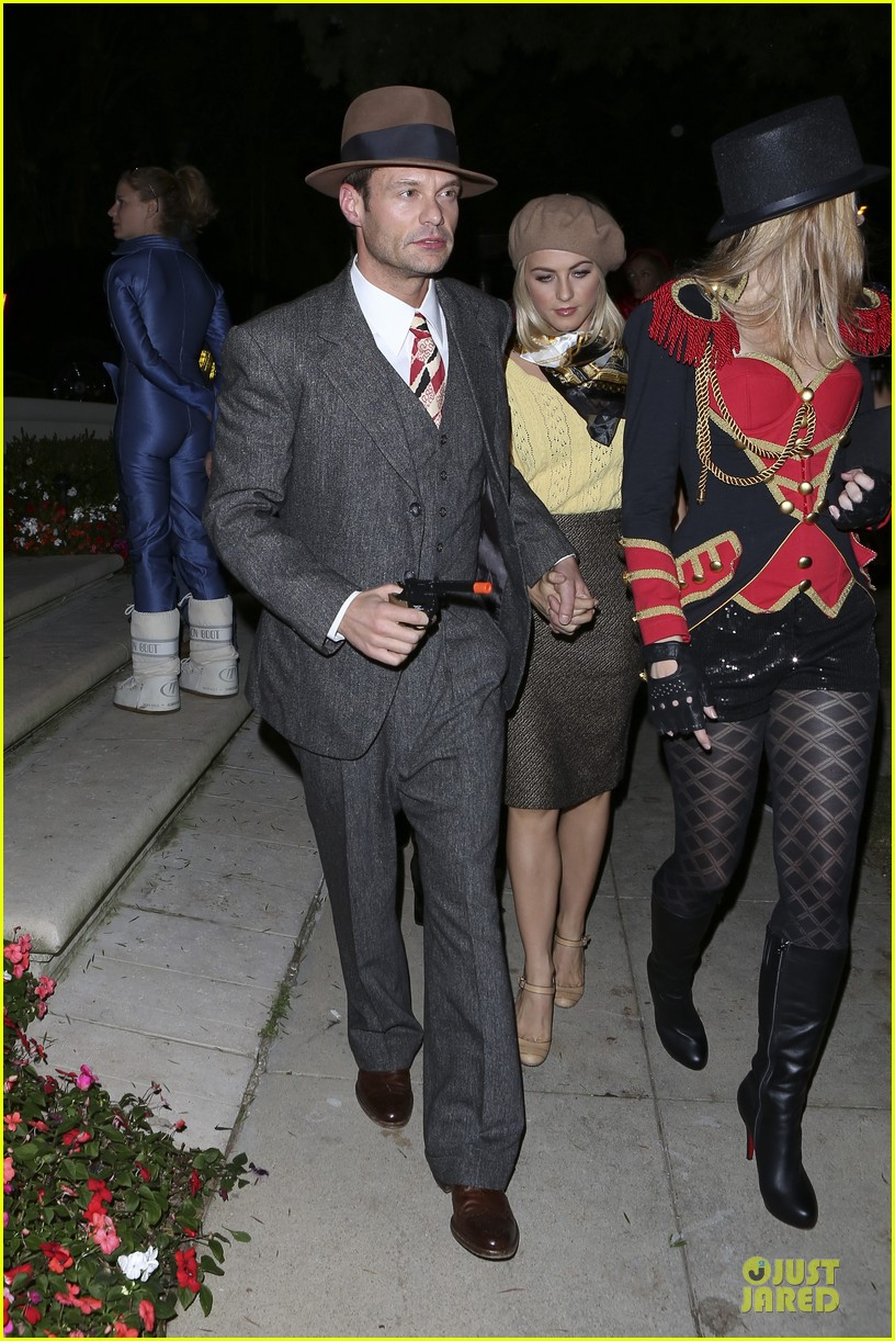 rosie huntington whiteley julianne hough halloween party in beverly hills 09