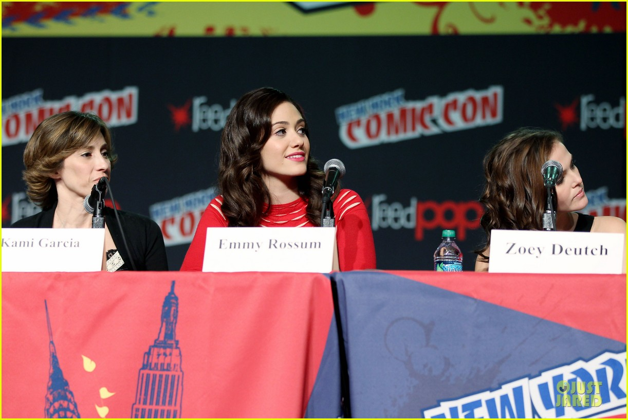 emmy rossum beautiful creatures comic con panel 112737741