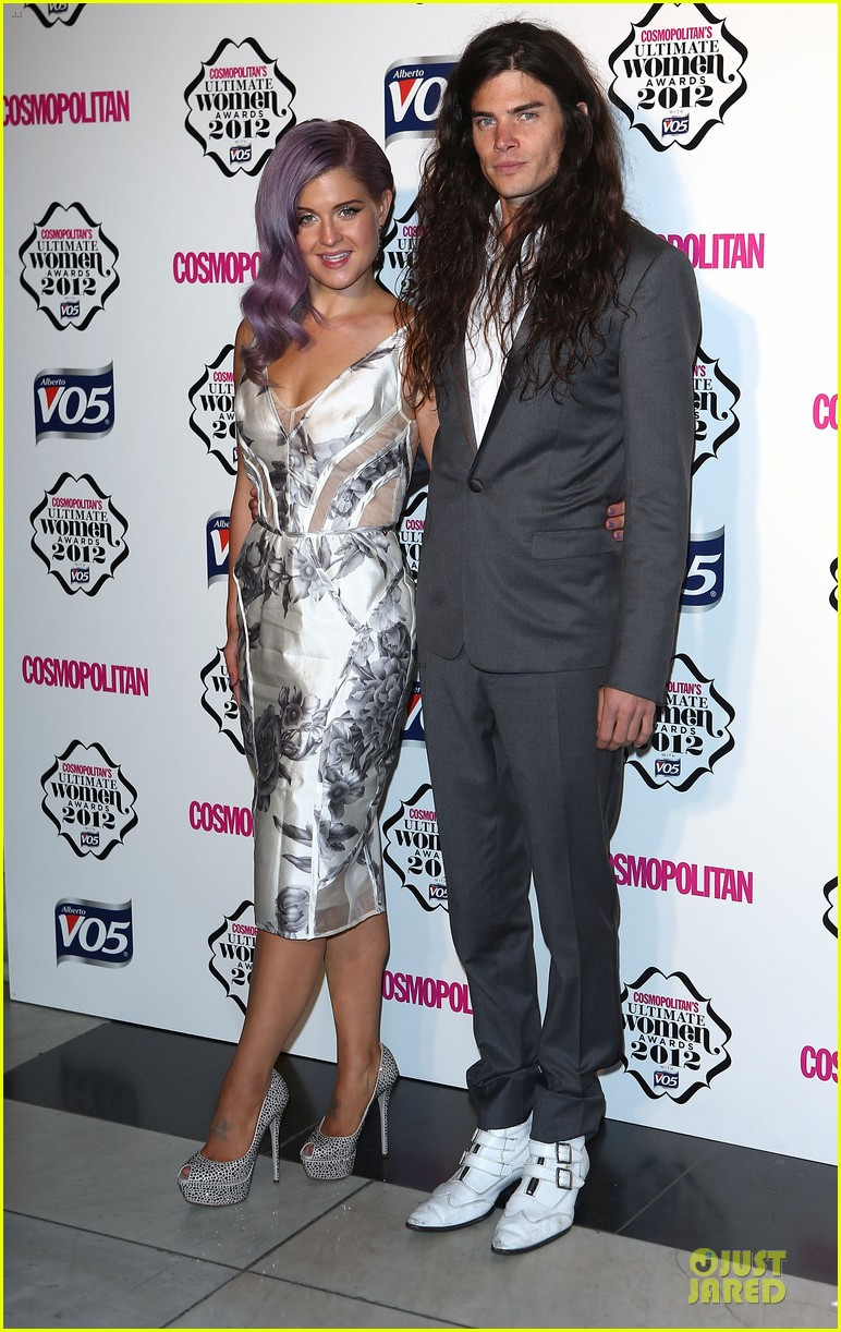 nicole scherzinger kelly osbourne cosmopolitan ultimate woman of the year awards 092748539