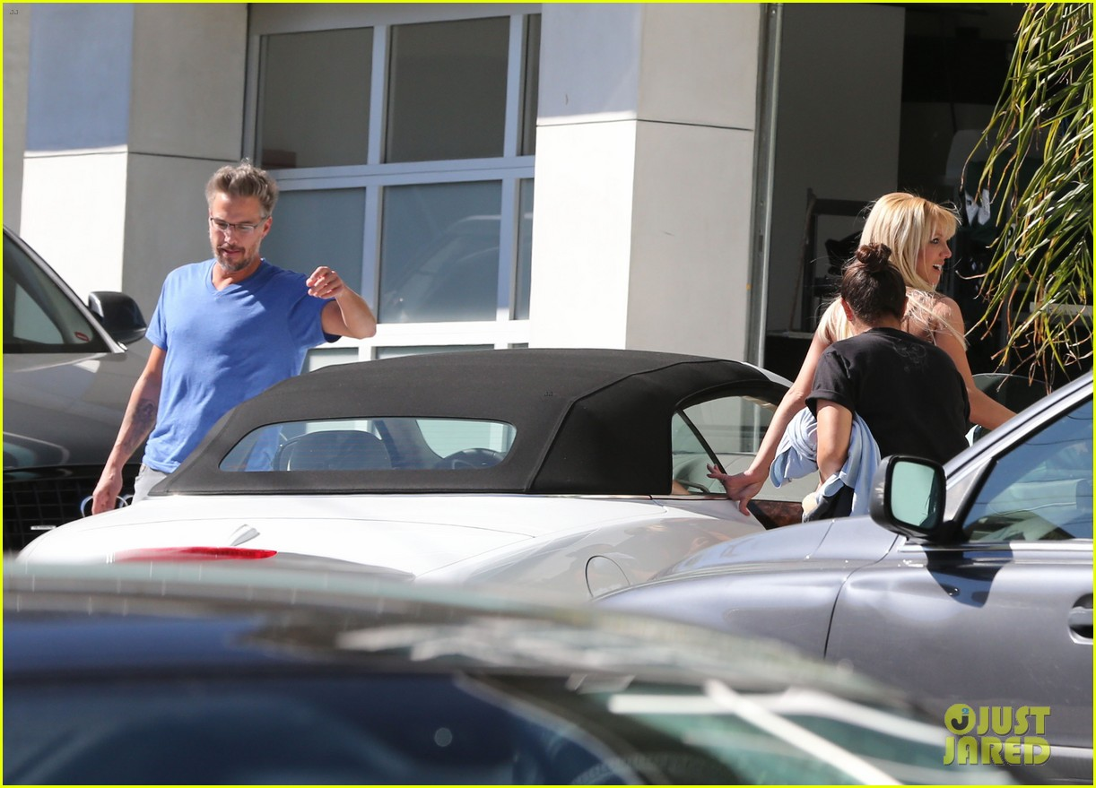 britney spears tonight show with simon cowell 07