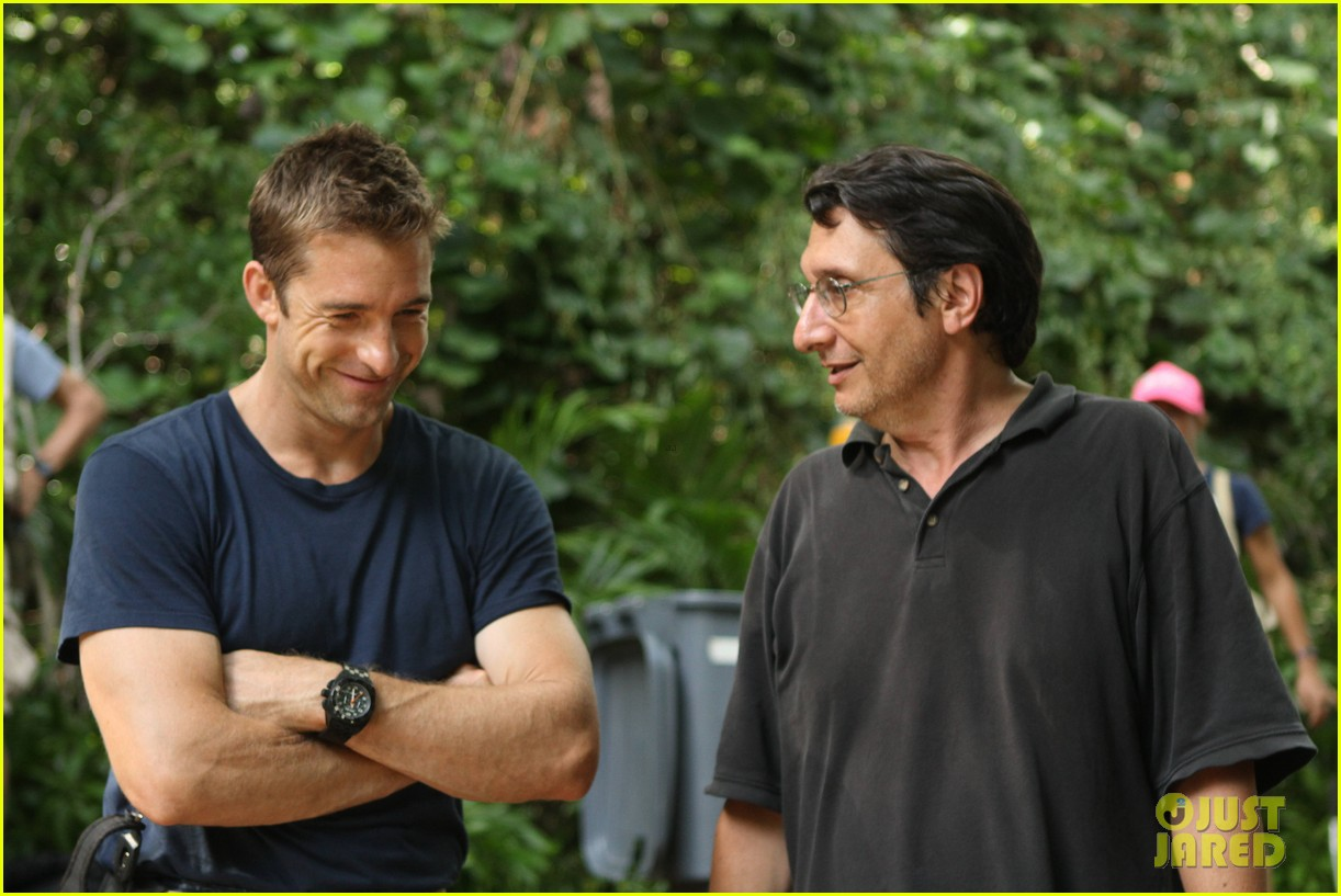 scott speedman last resort exclusive bts photos 02