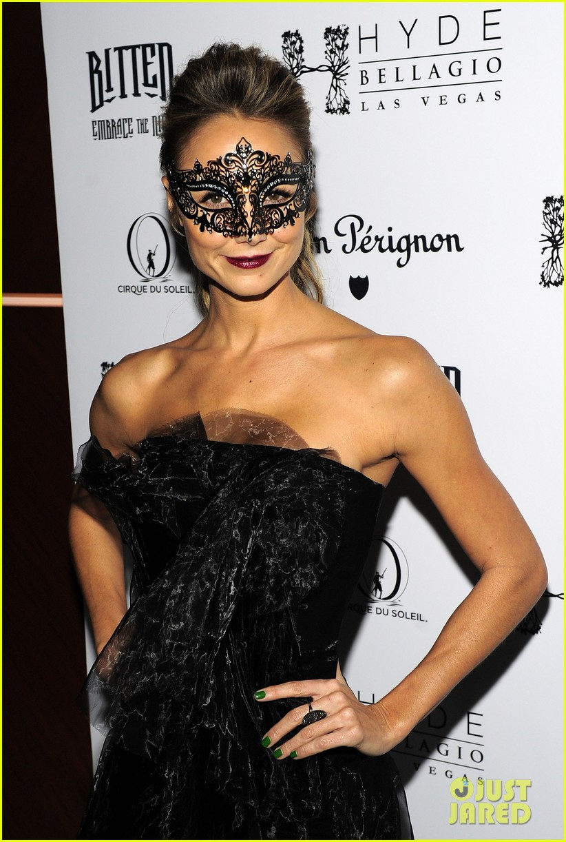 stacy keibler halloween masquerade host 06