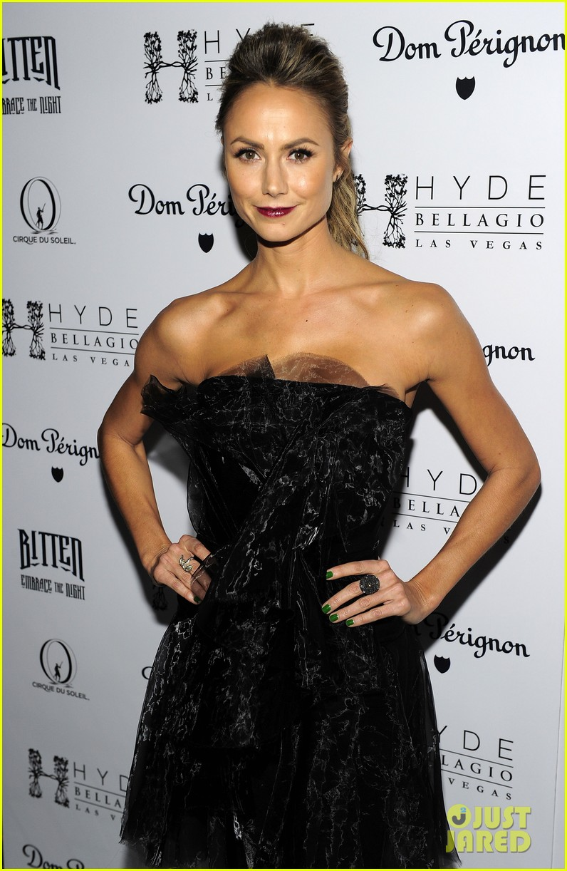 stacy keibler halloween masquerade host 072746778