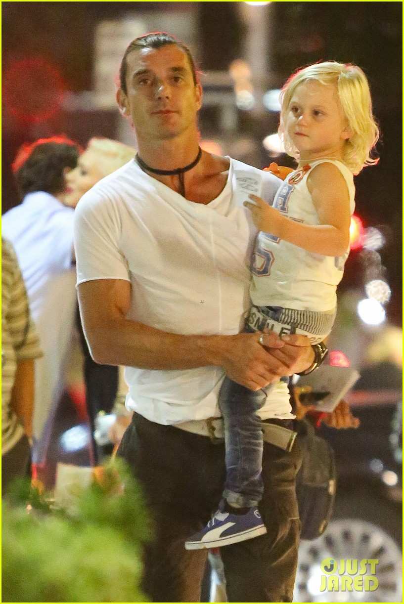 gwen stefani birthday celebration with the family 02