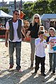 gwen stefani gavin rossdale pumpkin patch with the kids 19