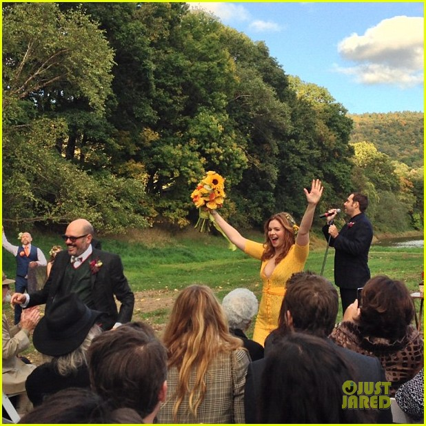 blake lively ryan reynolds attend amber tamblyn wedding pictures revealed 15