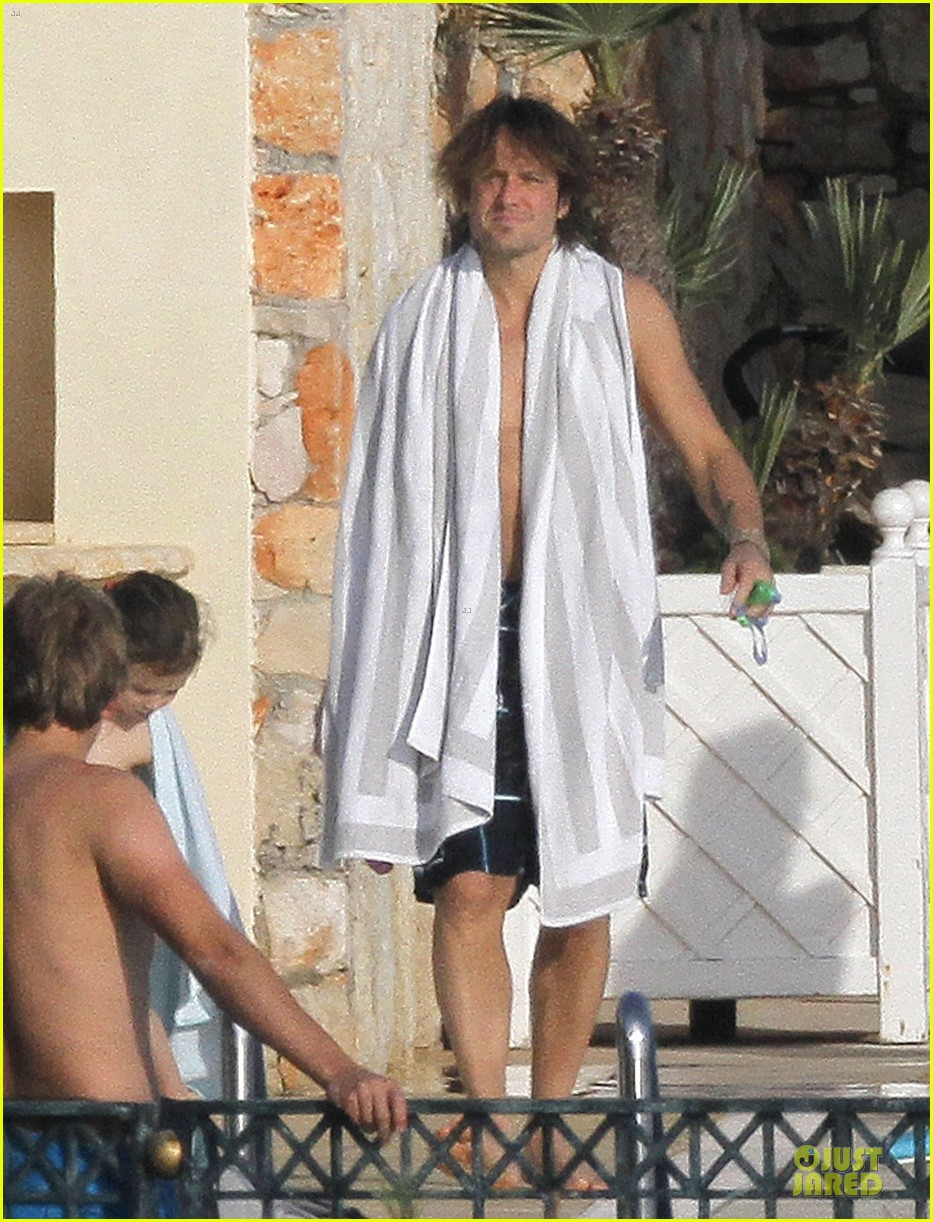 keith urban sexy speedo in france 21 sexy cowgirls 1 A few cowgirls to help set the sun on this week (23