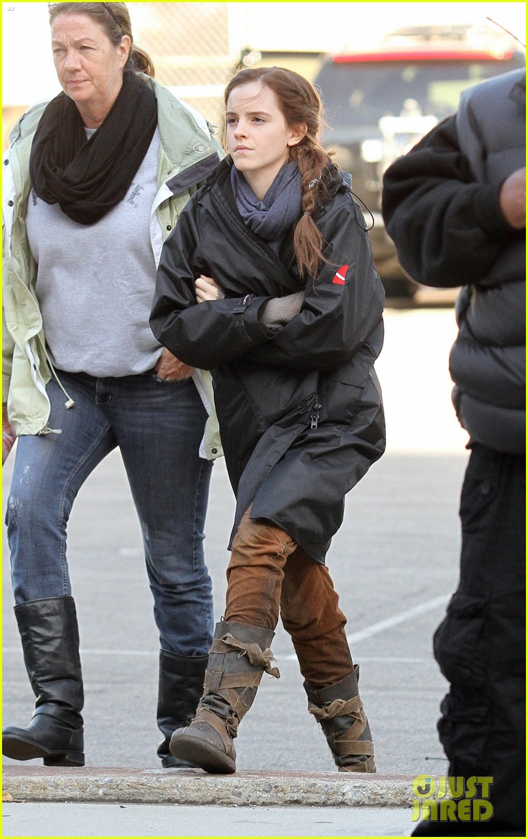emma watson noah set with russell crowe 01