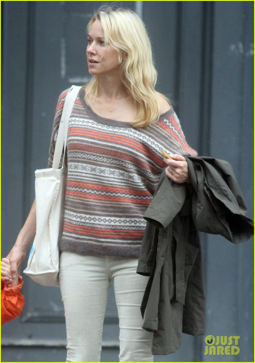 naomi watts bike ride in big apple 042739913