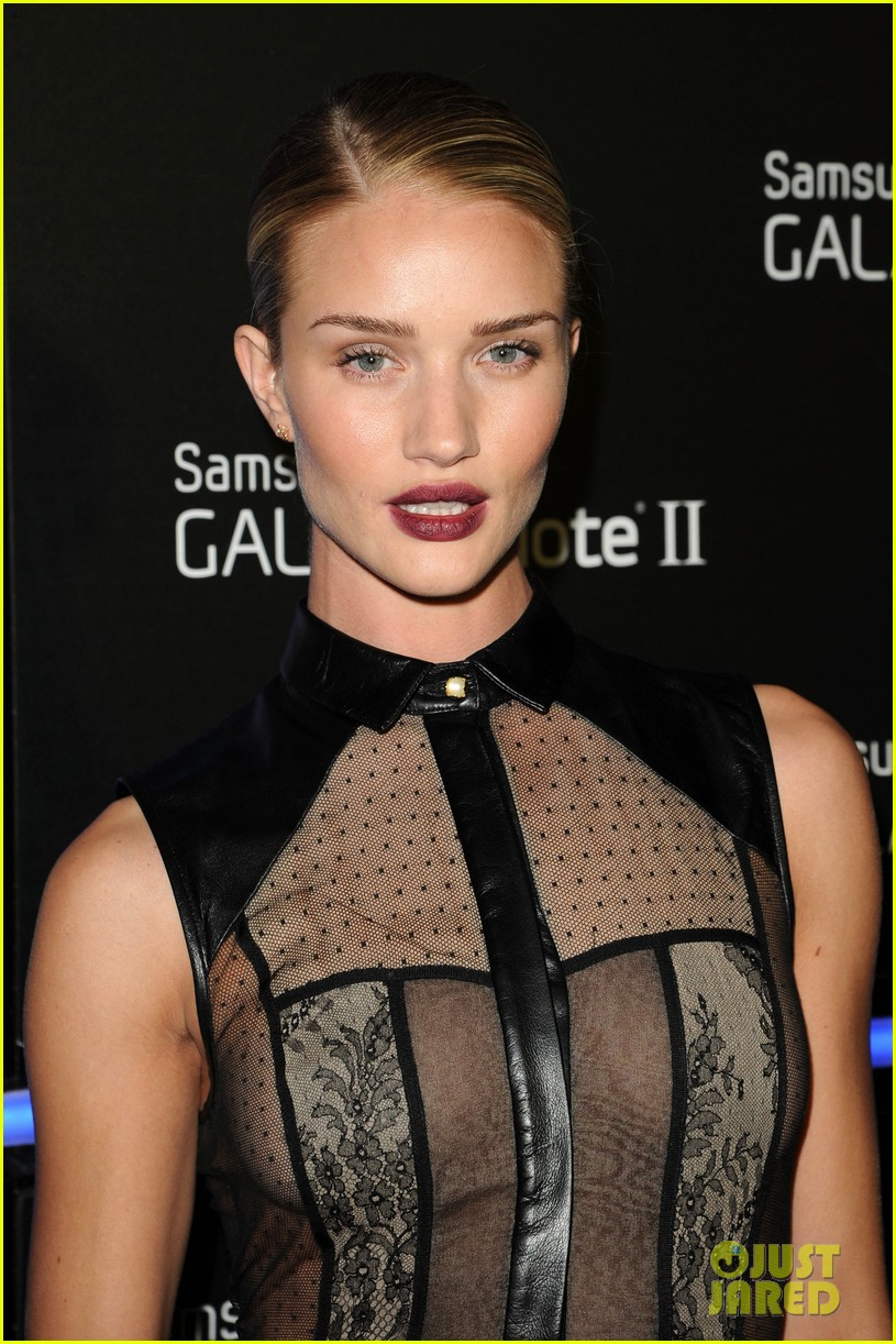 rosie huntington whiteley samsung galaxy launch party 05