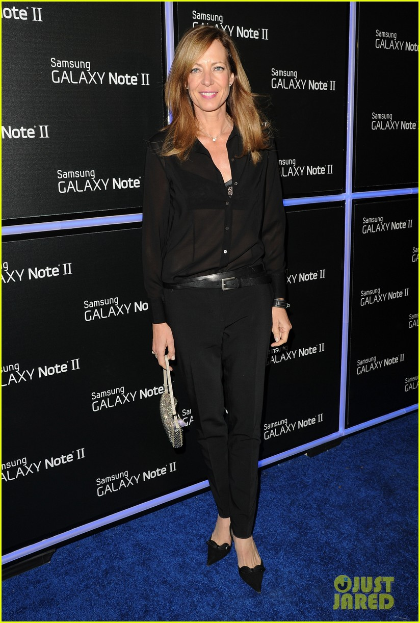 rosie huntington whiteley samsung galaxy launch party 13
