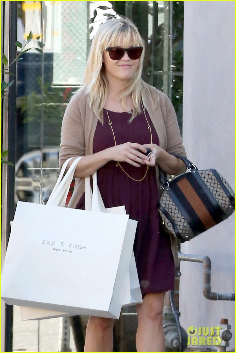 reese witherspoon recording duet with michael buble 02
