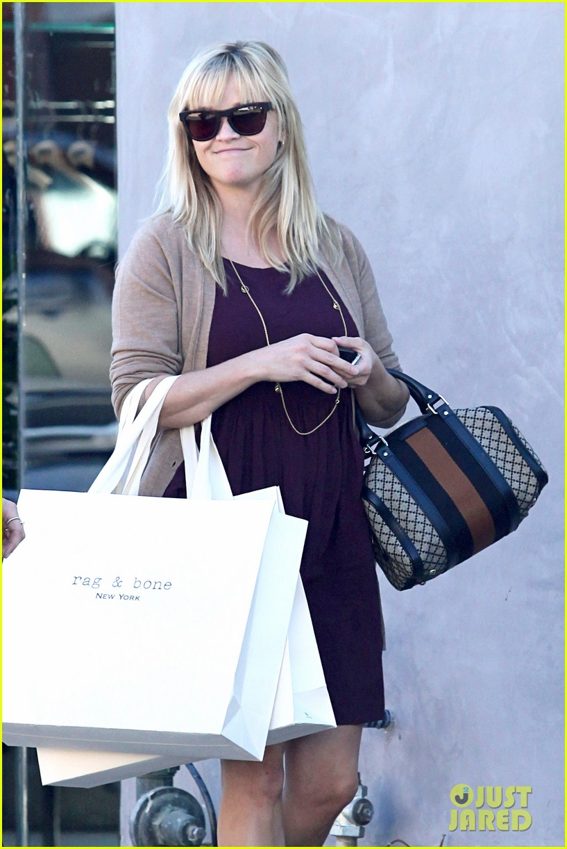 reese witherspoon recording duet with michael buble 06
