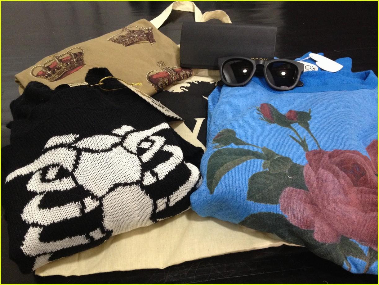 wildfox in wonderland gift bag 05