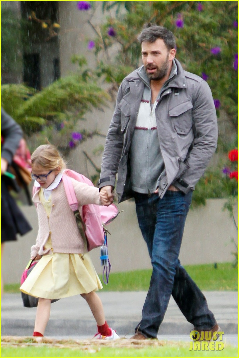 ben affleck daddys day with violet seraphina 01