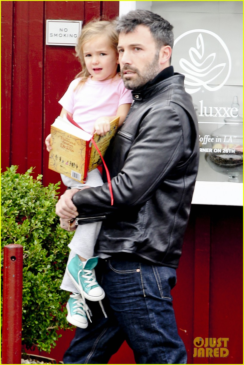 ben affleck daddys day with violet seraphina 24