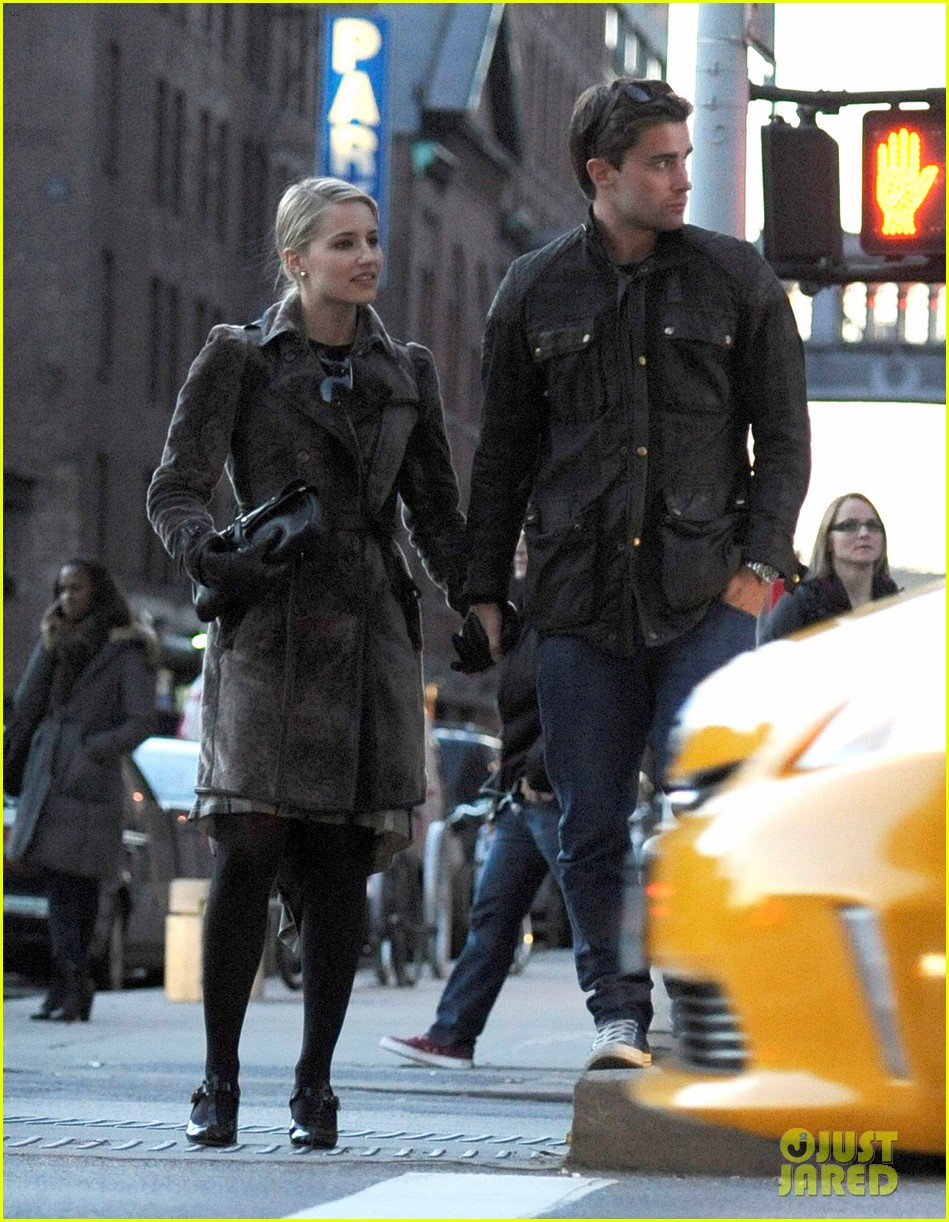 dianna agron christian cooke holding hands in nyc 05