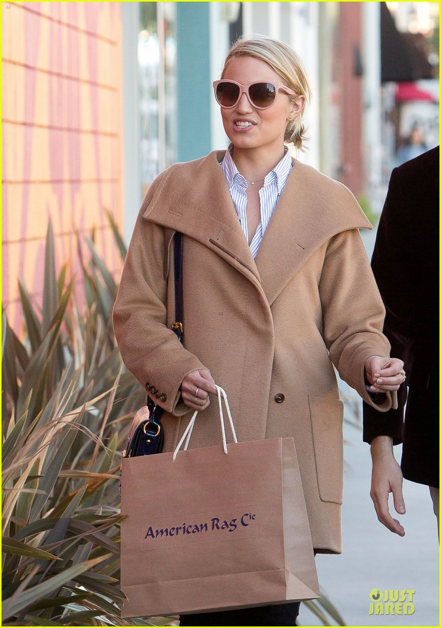 dianna agron thanksgiving glee episode appearance 042760543