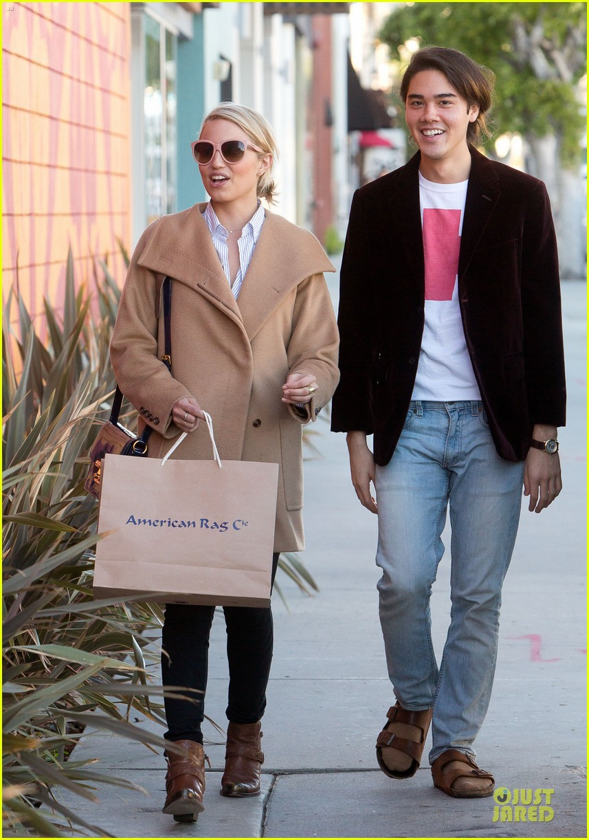 dianna agron thanksgiving glee episode appearance 05