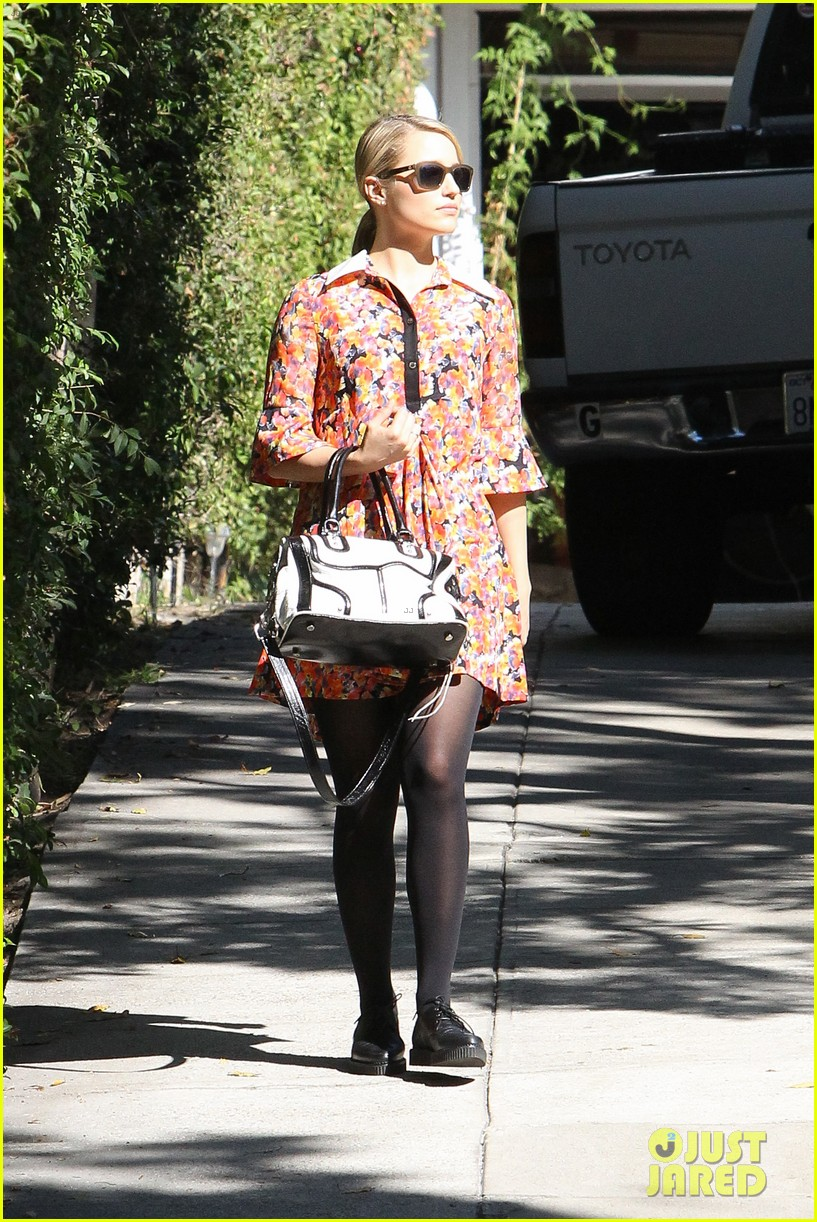 dianna agron hilary duff ladies who vote 03