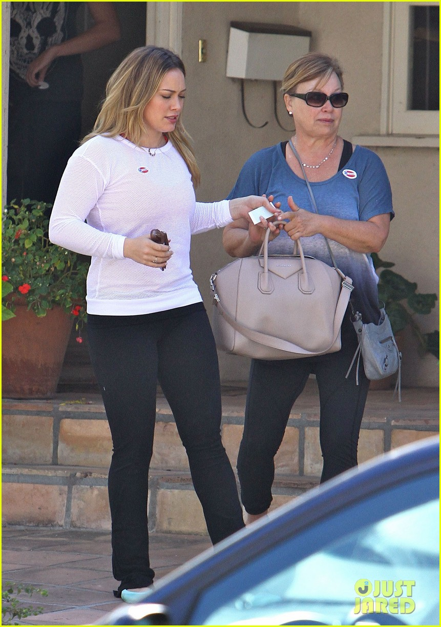 dianna agron hilary duff ladies who vote 07