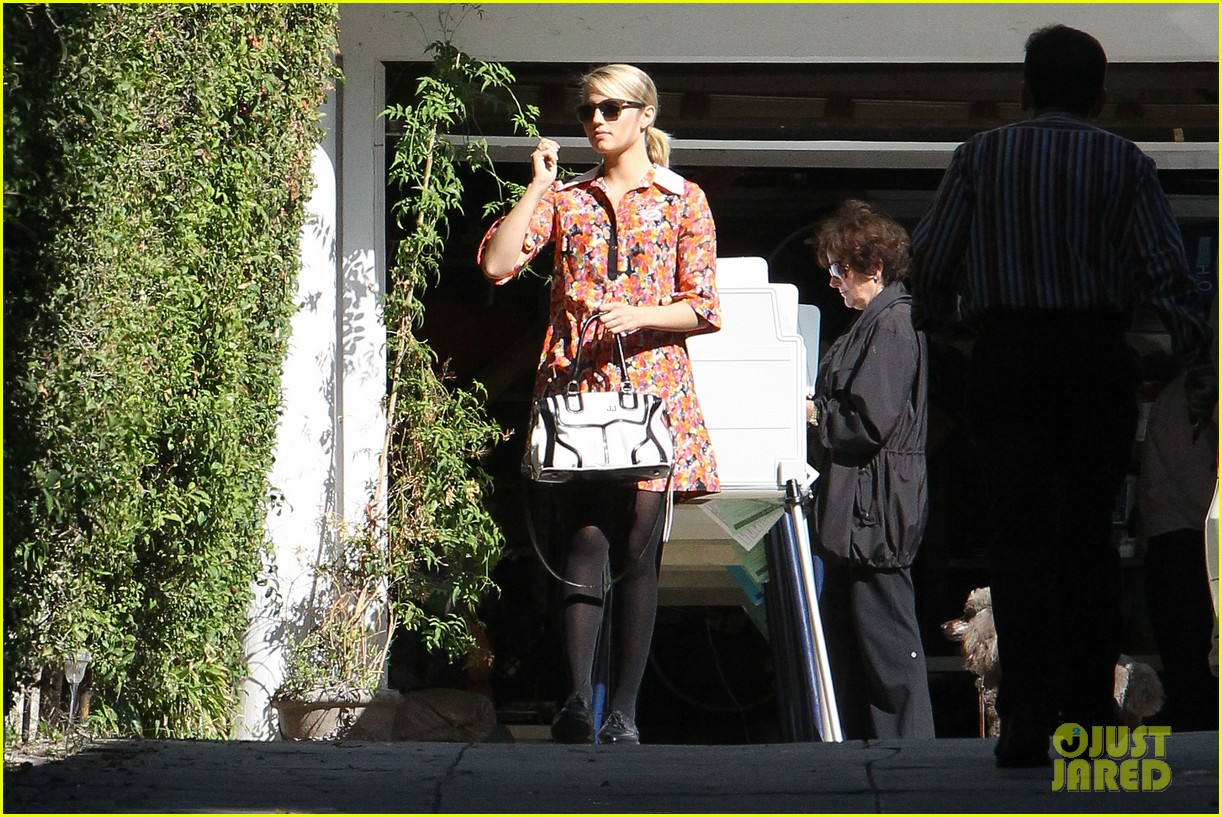 dianna agron hilary duff ladies who vote 22