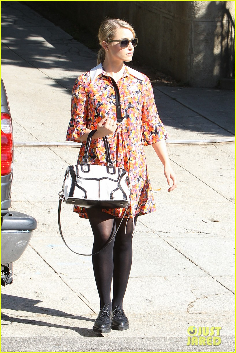 dianna agron hilary duff ladies who vote 23