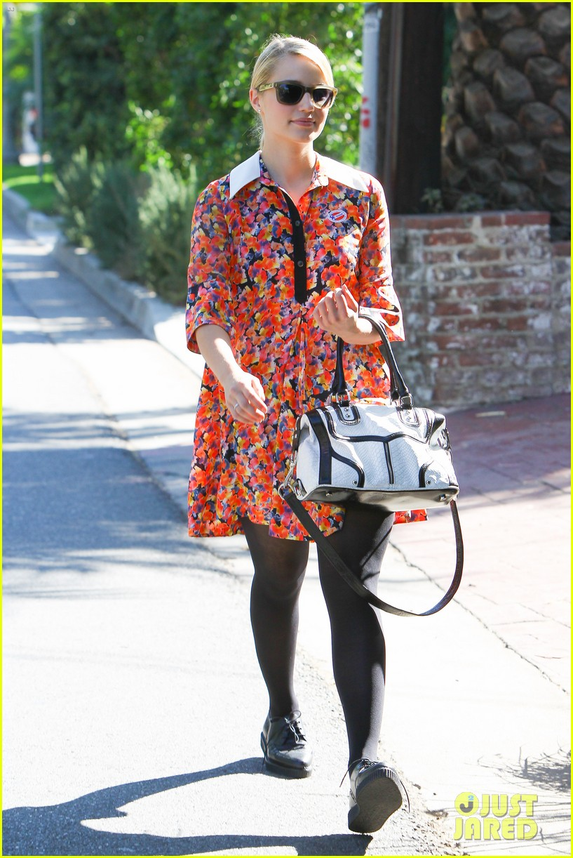 dianna agron hilary duff ladies who vote 25