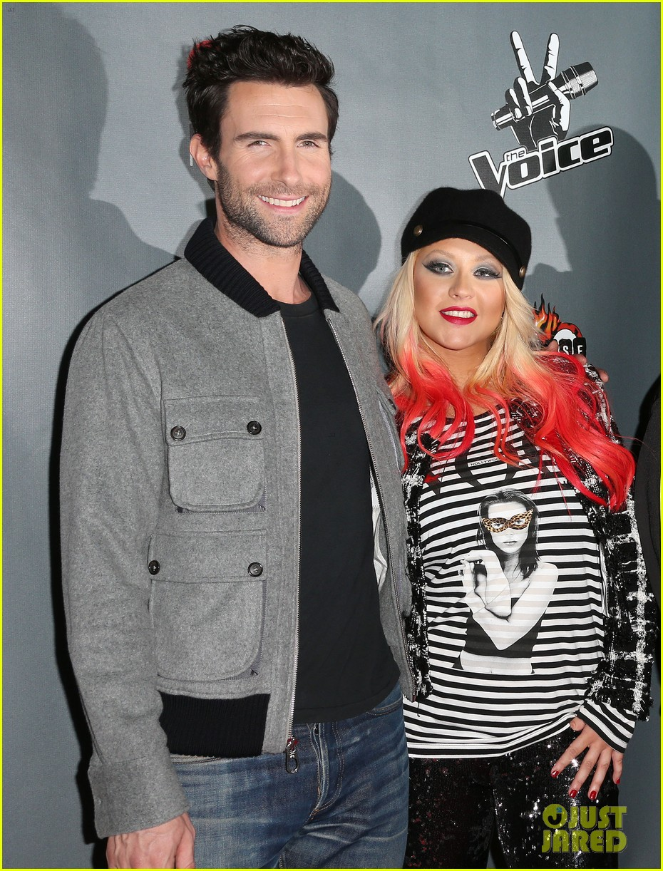 christina aguilera the voice final 12 party with adam levine 04