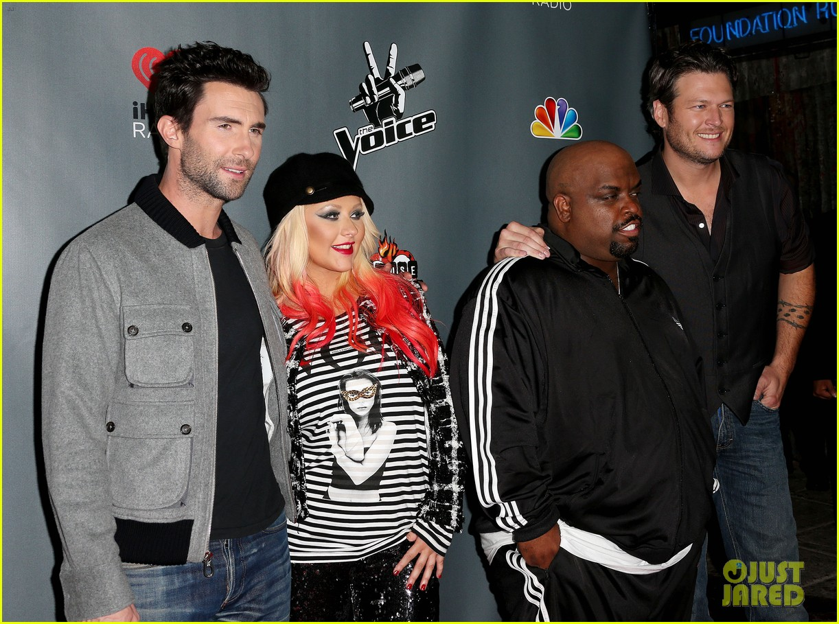 christina aguilera the voice final 12 party with adam levine 06