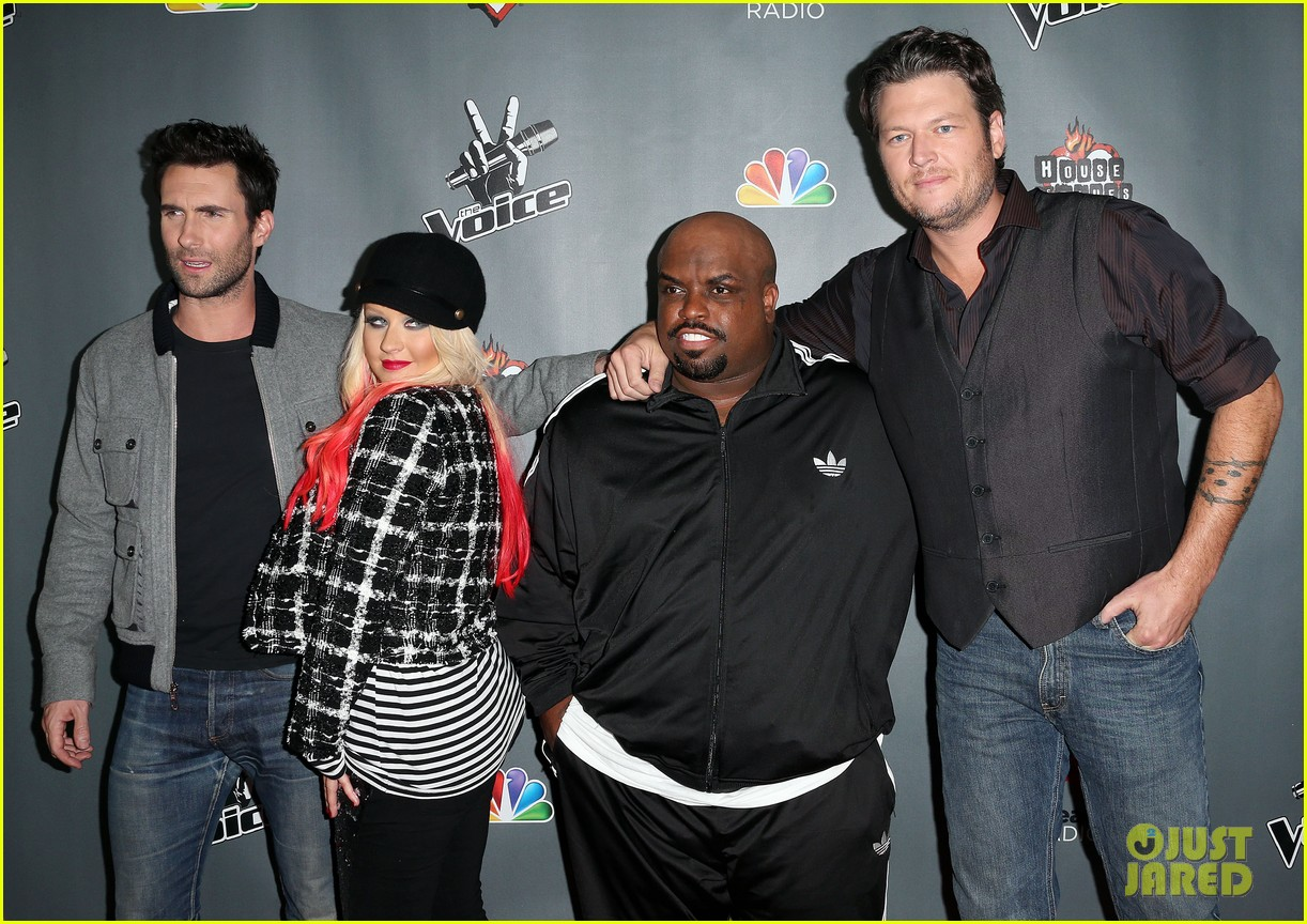 christina aguilera the voice final 12 party with adam levine 08