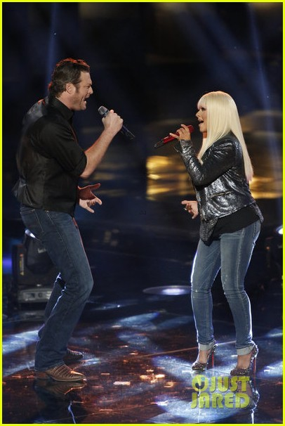 christina aguilera blake shelton just a fool performance on the voice 02