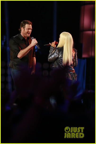 christina aguilera blake shelton just a fool performance on the voice 03