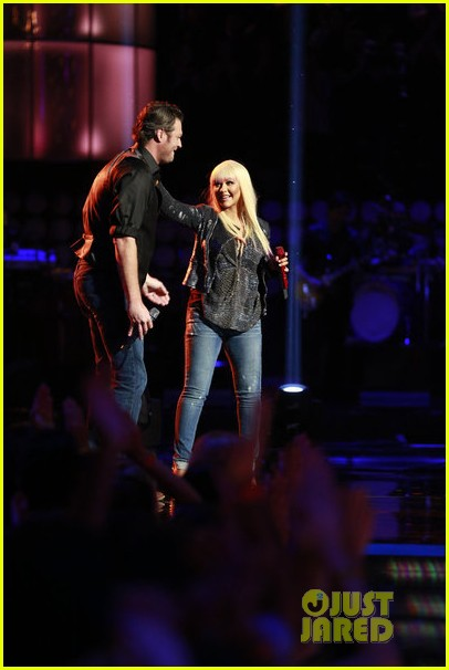 christina aguilera blake shelton just a fool performance on the voice 05