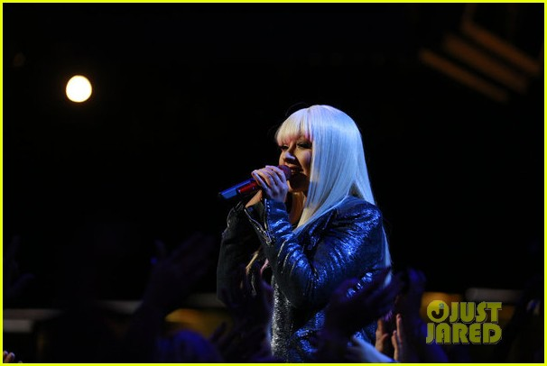 christina aguilera blake shelton just a fool performance on the voice 15