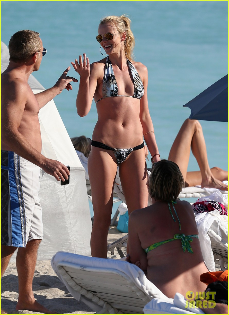 anne v dual bikinis in miami beach 10