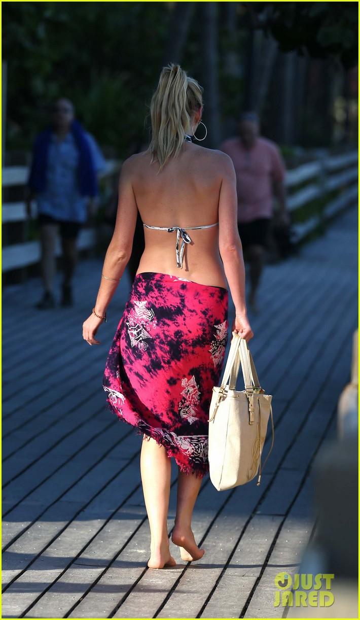 anne v dual bikinis in miami beach 22