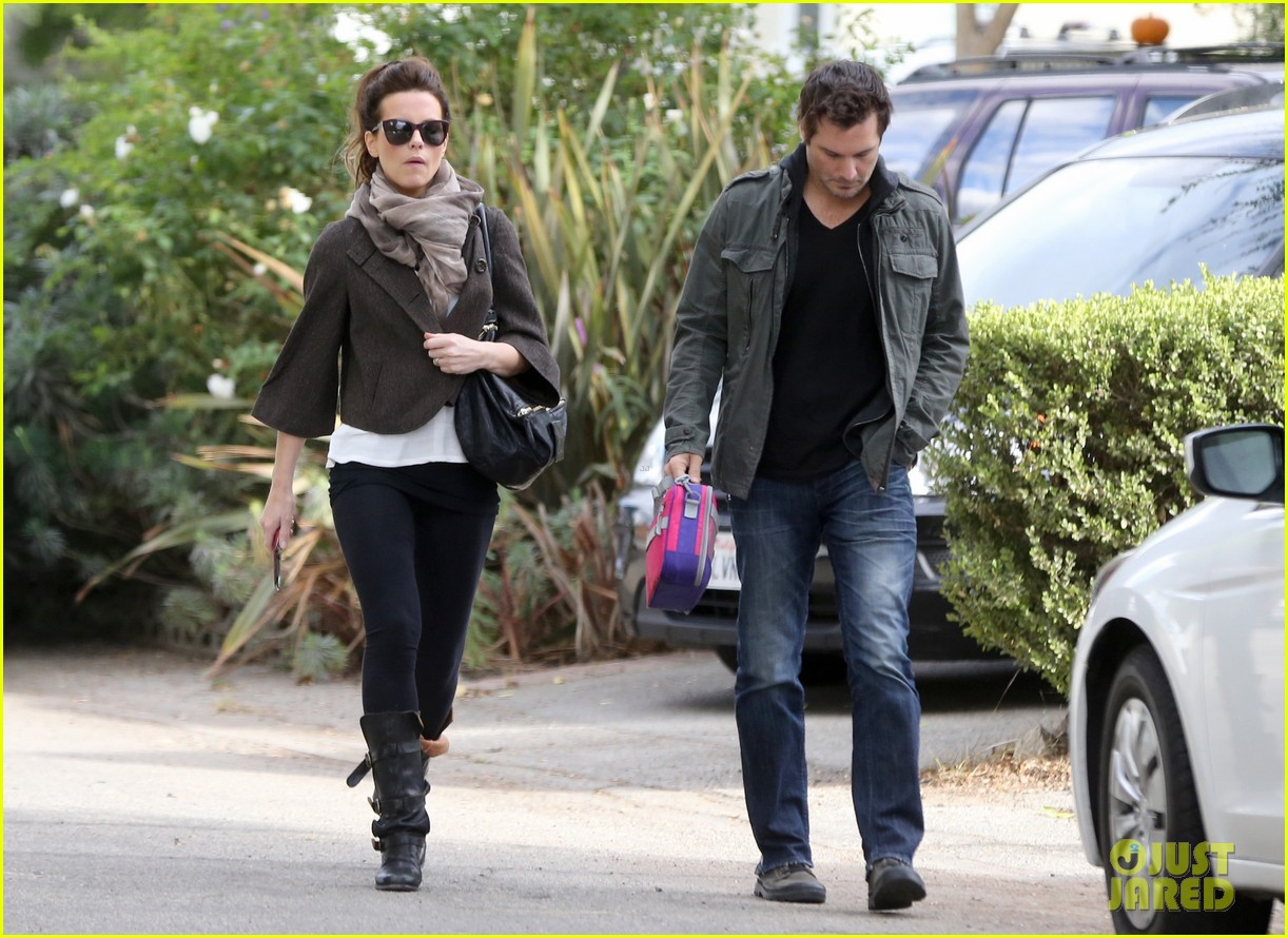 kate beckinsale family football game 06