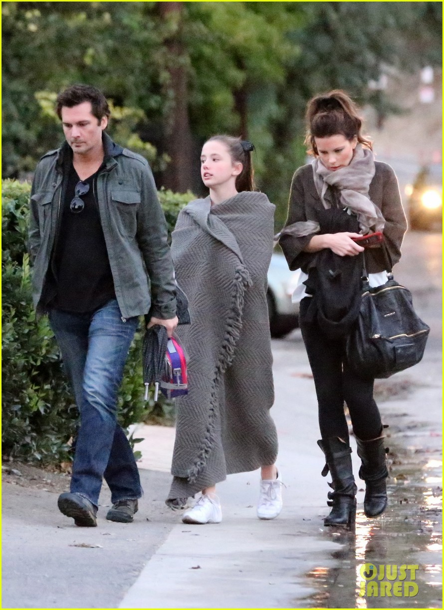 kate beckinsale family football game 13