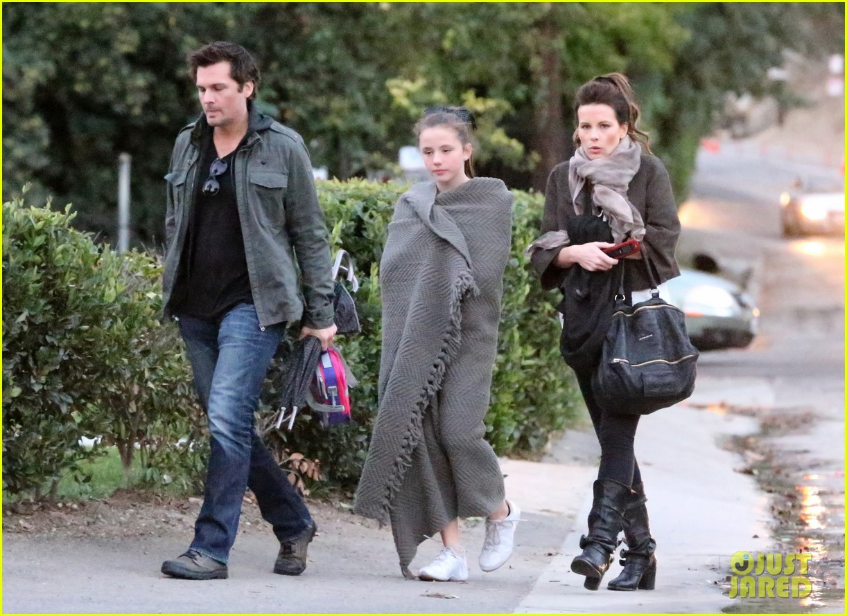 kate beckinsale family football game 14